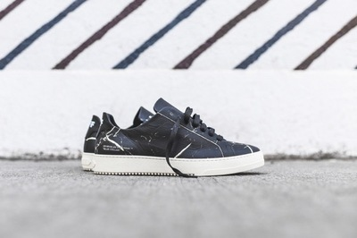 Off_White_Basic_Trainer_-_Black_Marble_OMIA005S16125048_9901_1.jpg