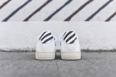 Off_White_Basic_Trainer_-_White_Perf_OMIA005S16124046_0101_5.jpg